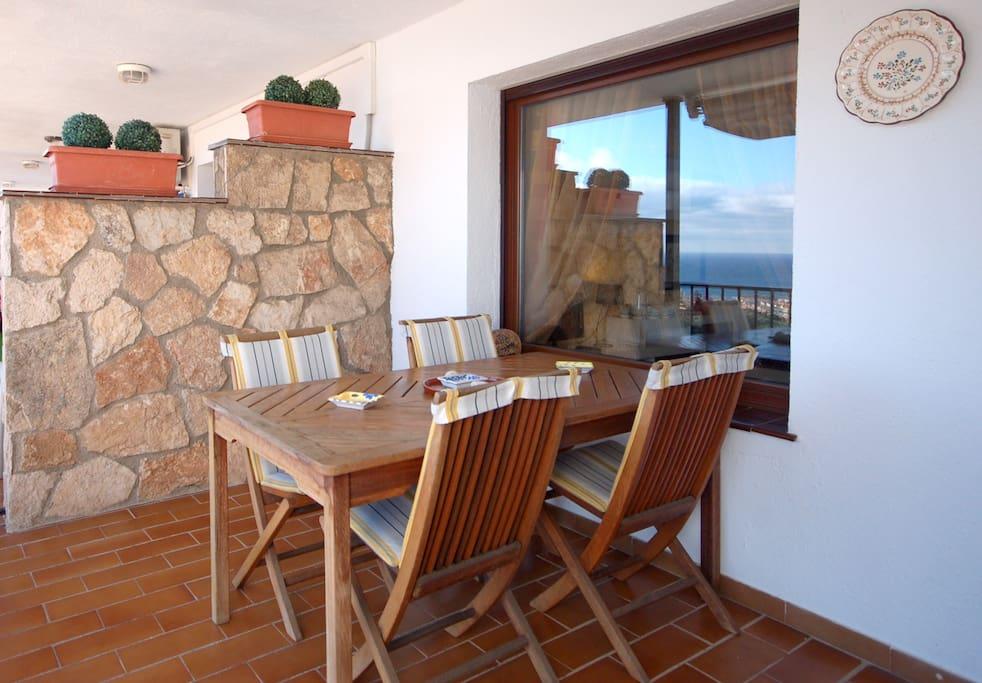 Sea views apartment in sa gabarra apartamentos en - Alquiler de apartamentos en tossa de mar particulares ...