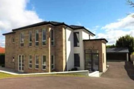 Luxurious opulent apartment available - Newton Mearns