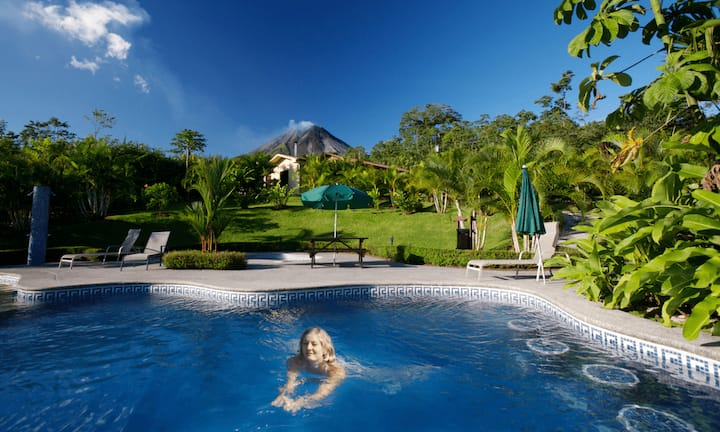 200/Breakfast-Volcano View-Swimming pool