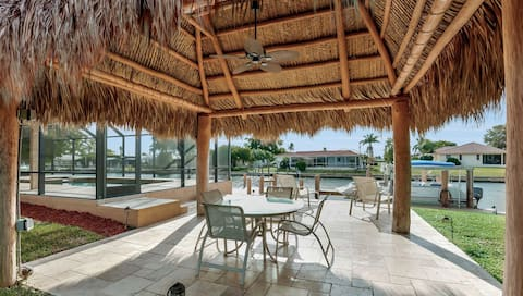 Stunning Waterfront Home Saltwater Pool & Tiki Hut