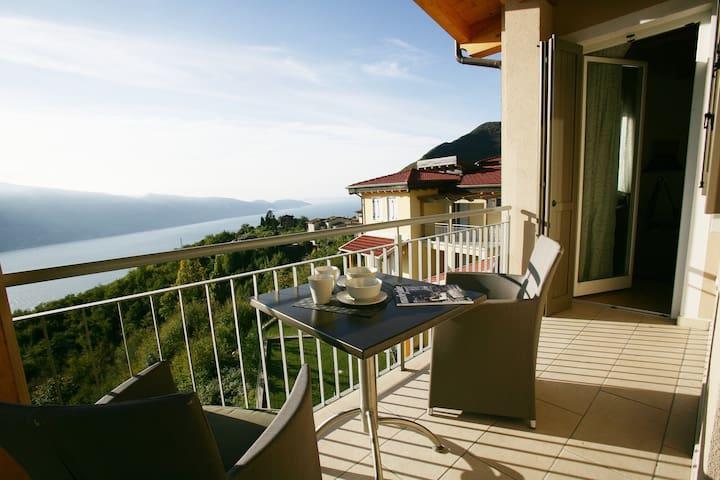 Park Residence La Villa- Appartamento PREZIOSO - Tignale - Leilighet
