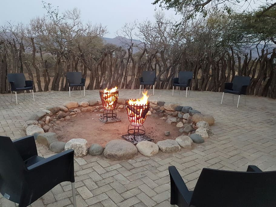 Boma braai area for groups with lovely bush atmosphere.