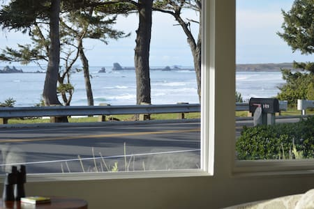 Pacific Coast Beach House - Crescent City