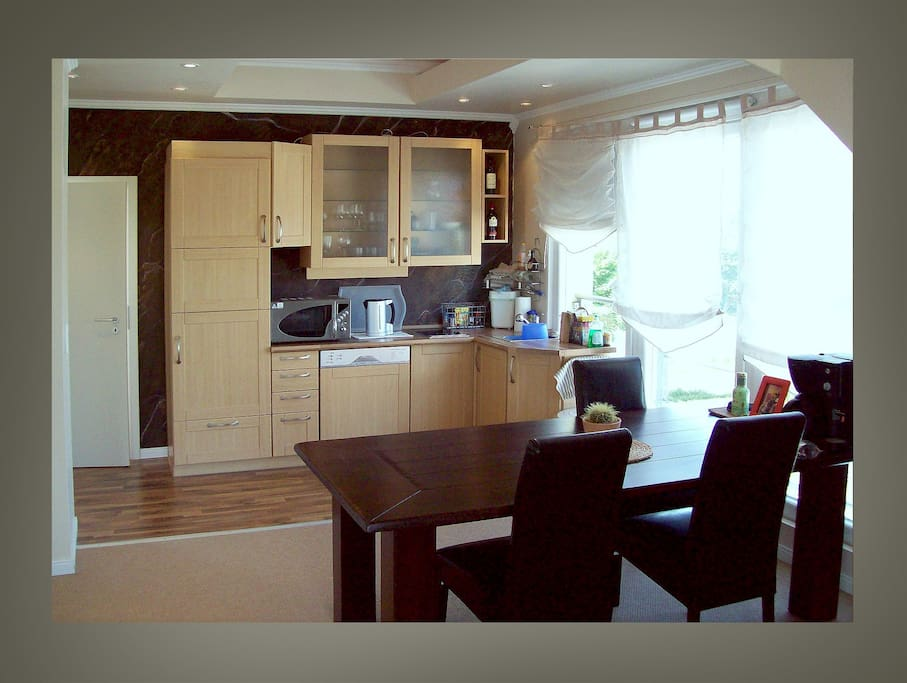hkaiser s artist house 20 min to frankfurt m condominiums for rent in karlstein am main. Black Bedroom Furniture Sets. Home Design Ideas
