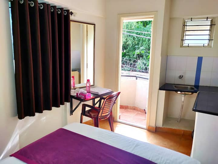 Single rooms with AC-Wifi-Amenities-Bangalore