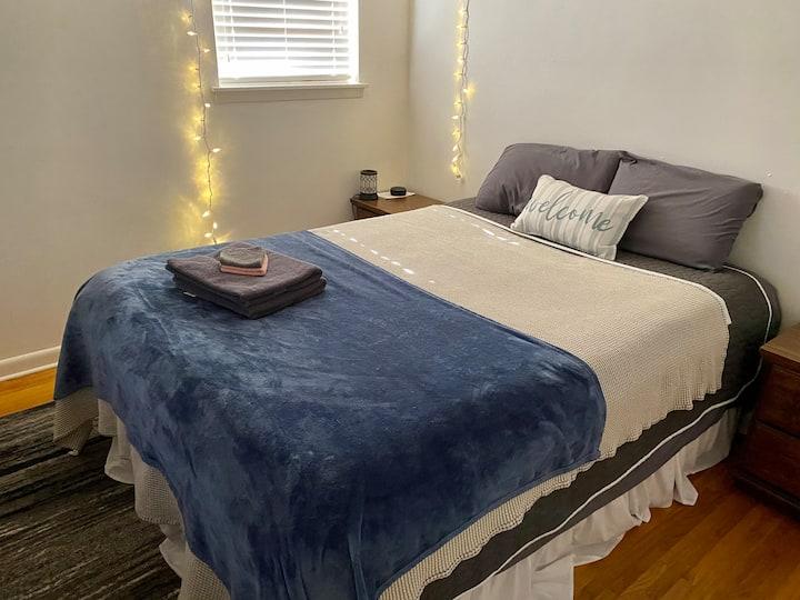 Quiet, Cozy Bedroom in the Heart of Little Rock!