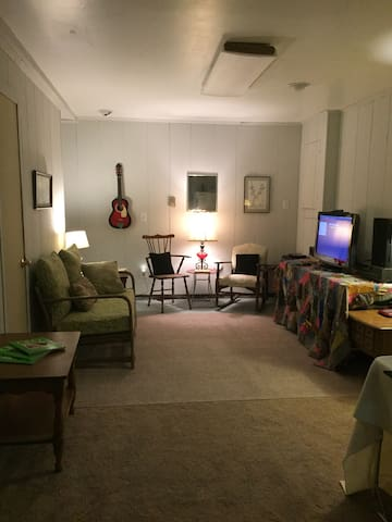 Great 1 bedroom Coolfont apartment - Berkeley Springs