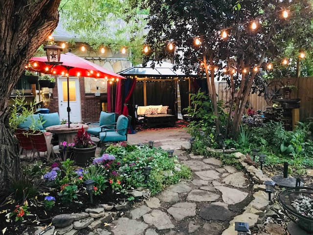 Secret garden retreat with secure private parking