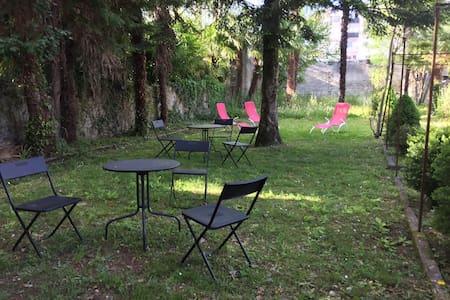 Beau rez de jardin avec terrasse 4p - 卢尔德(Lourdes) - 公寓
