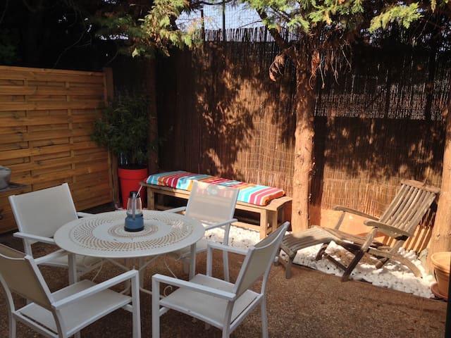 Rez de jardin de villa 40M2 en duplex proche plage - La Seyne-sur-Mer - Condomínio