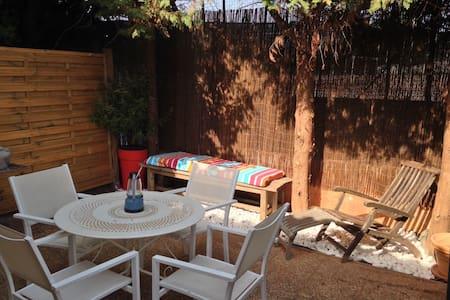 Rez de jardin de villa 40M2 en duplex proche plage - La Seyne-sur-Mer - 公寓