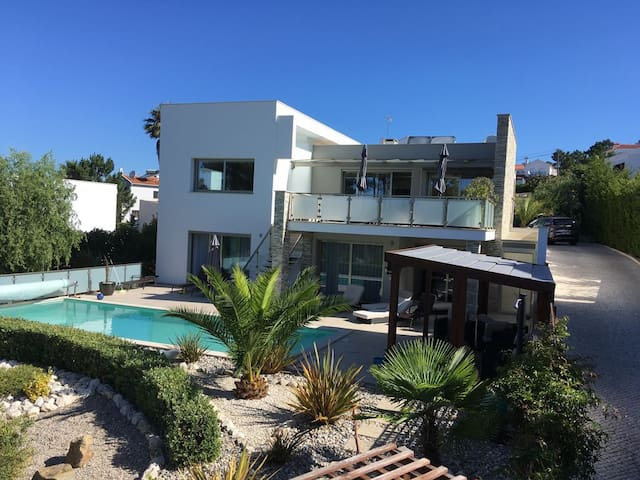 Villa Lagoa with spectacular views & sunsets