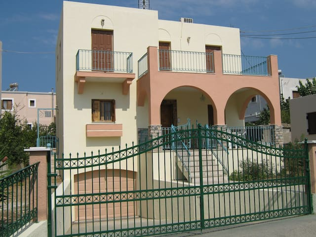 3 BED, 3 BATH 140 sq, m. BEAUTIFUL HOUSE - Kalimnos - House