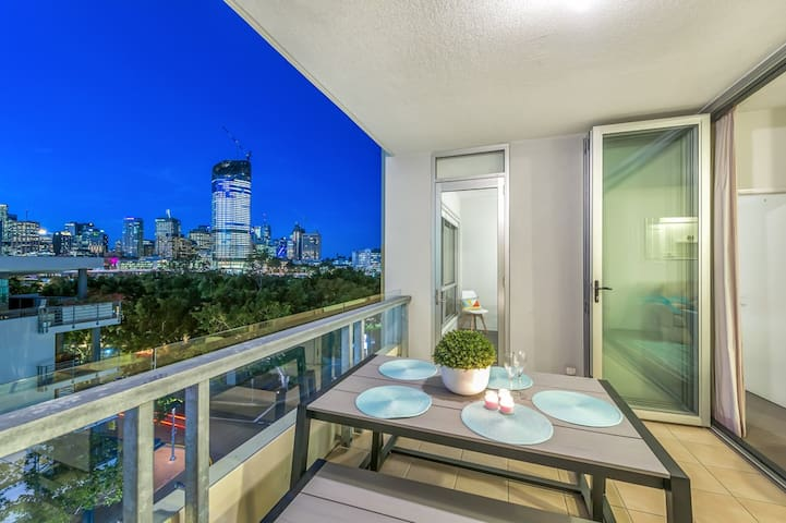 Southbank 2 bed - Amazing Location - Modern/Cool - South Brisbane - Lägenhet