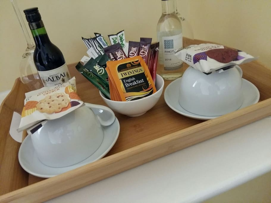 Guests receive a complimentary small bottle of red and white wine, as well as tea and coffee.