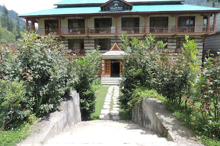 Solang Ski Resort - Cozy stay near Manali