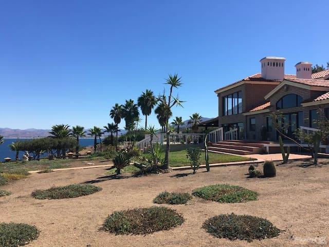 Rancho Rosa Negra Breath Taking Ocean View
