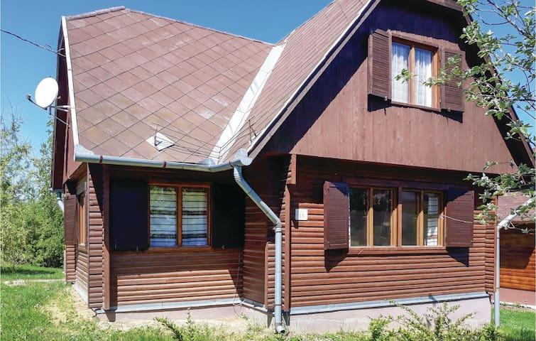 Holiday cottage with 3 bedrooms on 170m² in Tamási