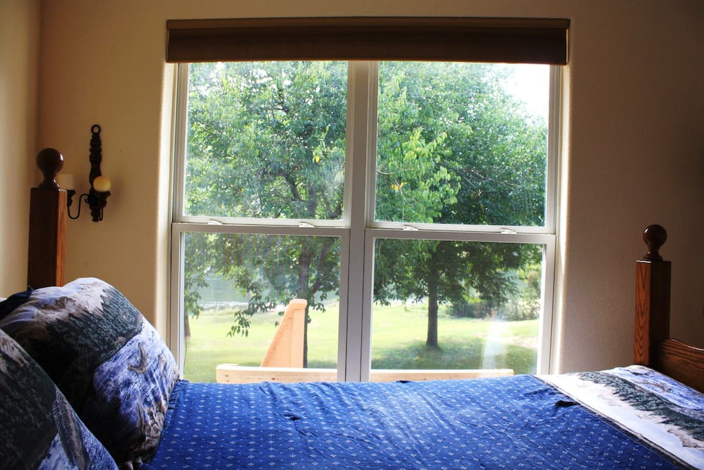 Bedroom # Queen bed