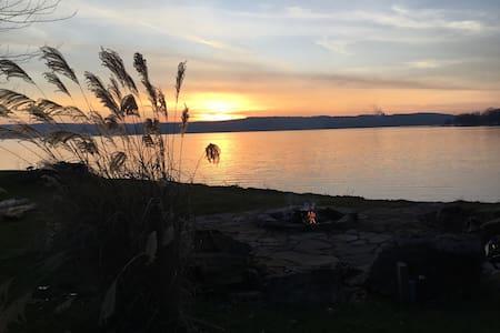 Lake View Getaway