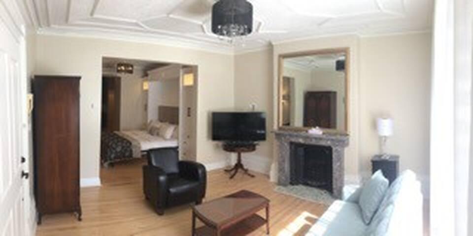 Chambre avec kitchenette et salle de bain privée