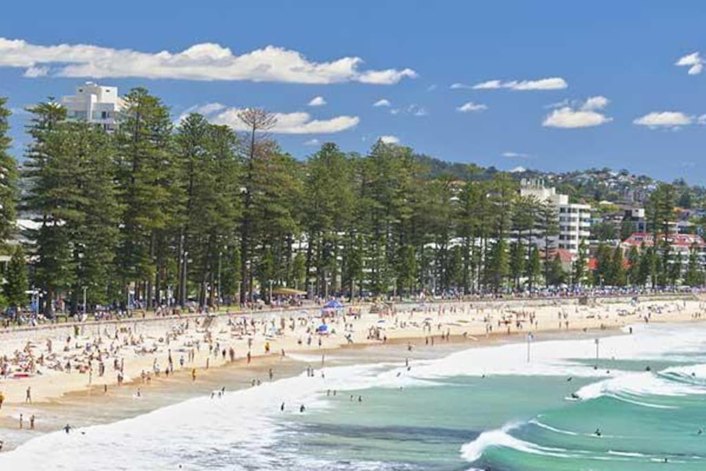 2 minutes from Manly Beach