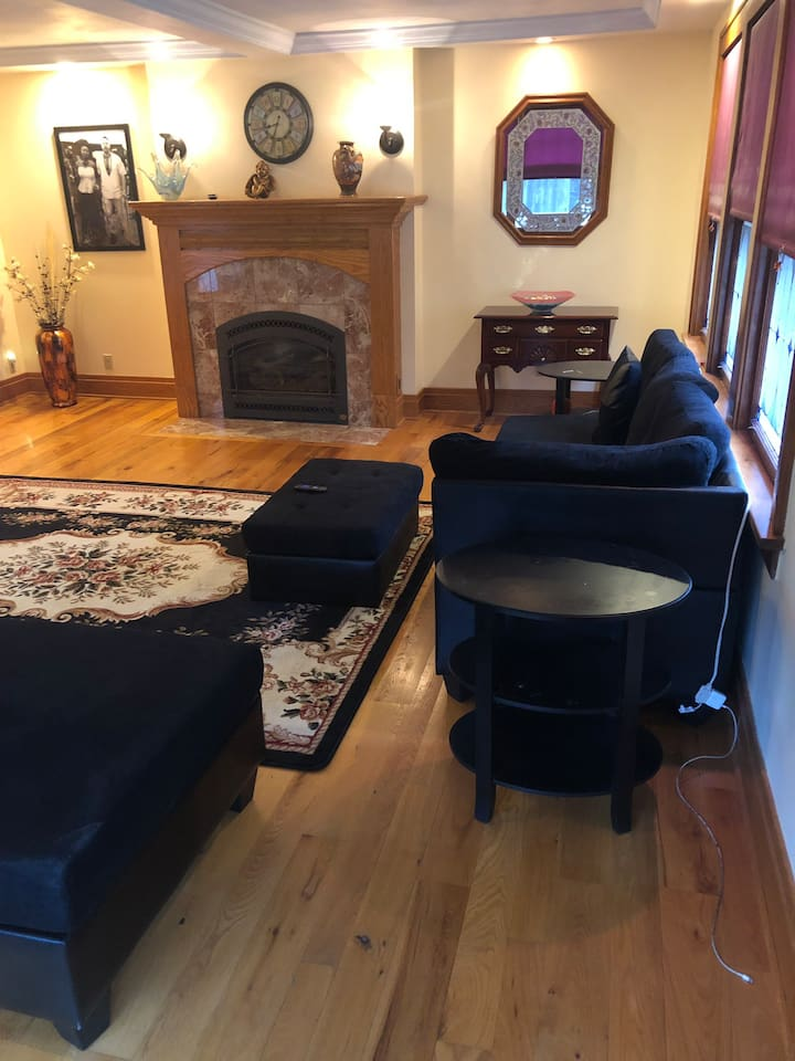 Spacious and Modern !!! Whole Apartment  Near Buffalo/Niagara Falls