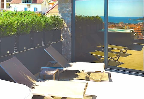 Misisuone penthouse number 7 with sea view