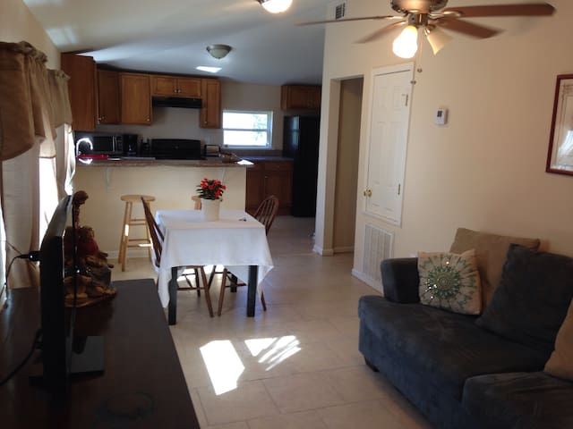 Comfortable one bedroom apartment on 70 acres. - Houma