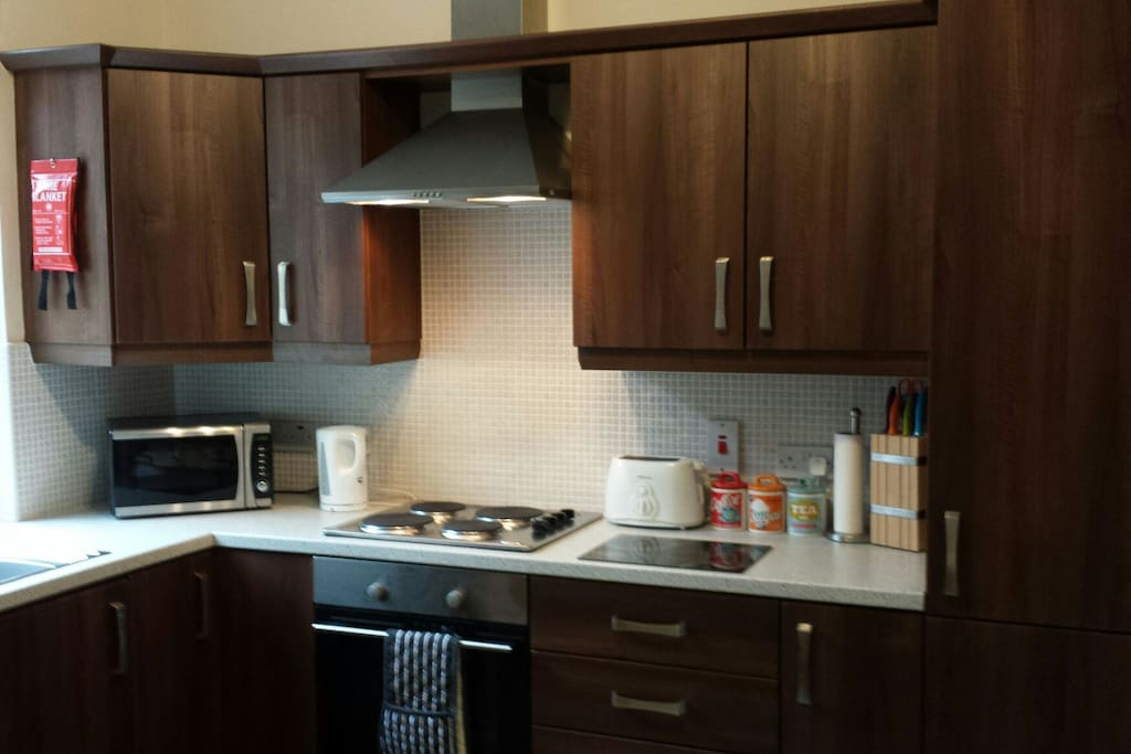 fully fitted kitchen with all new modern appliances