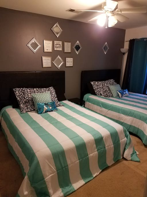 Gorgeous Queen Size Double Bed Accomodations.