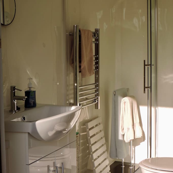 Shower room for private use