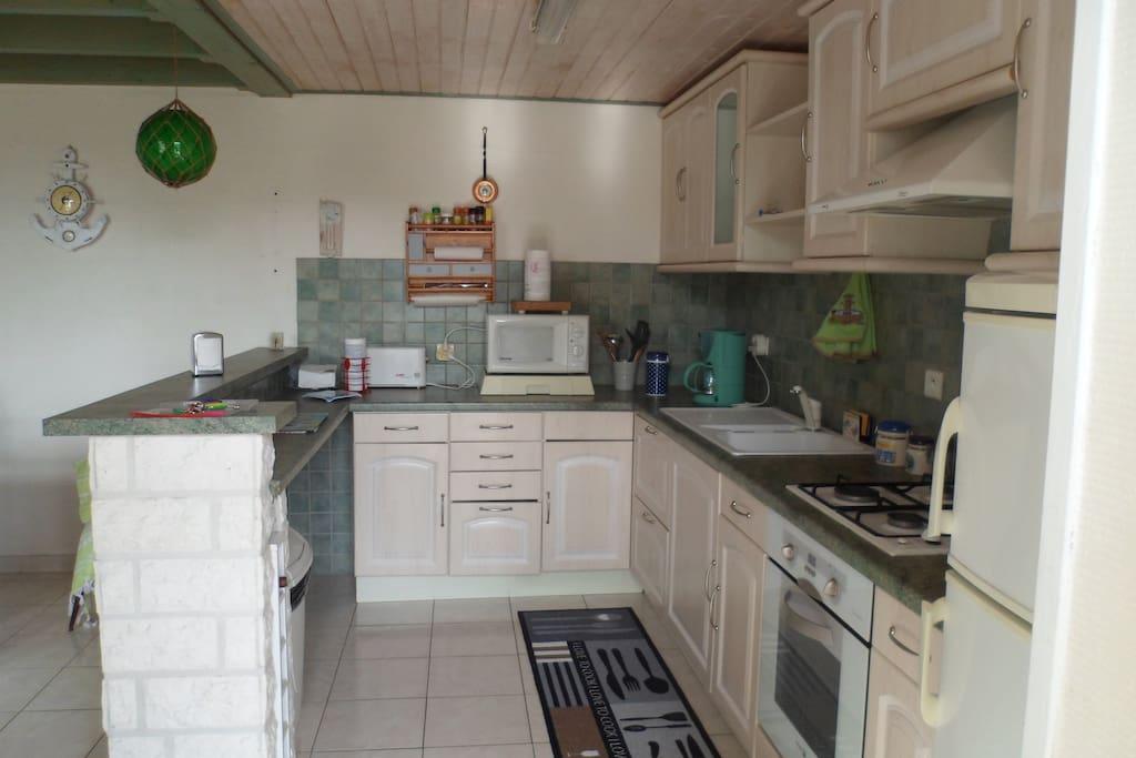 cuisine tenant a la terrasse