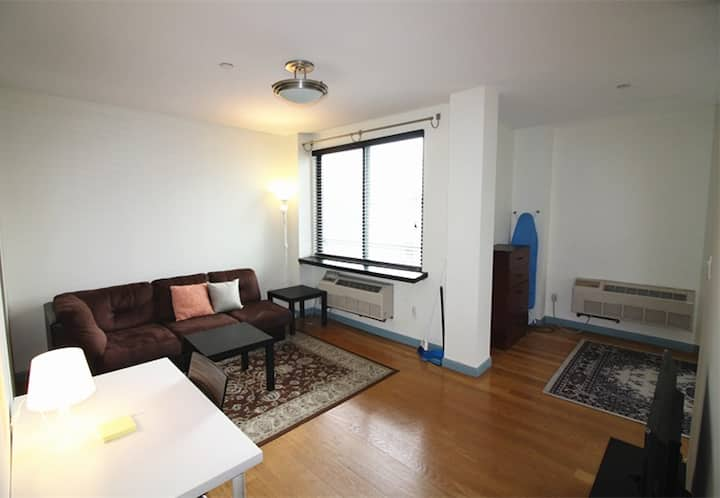 Large studio in Williamsburg, 4B