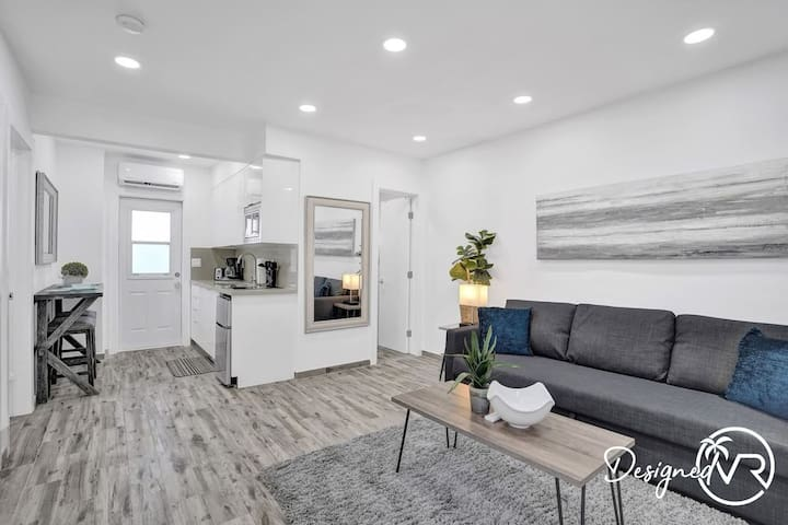 Newly Renovated #6/Close to Beach w/Parking