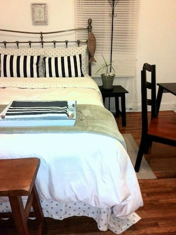 $34 COZY Nice Room#2 by Train/CITY! - Philadelphia - Hus