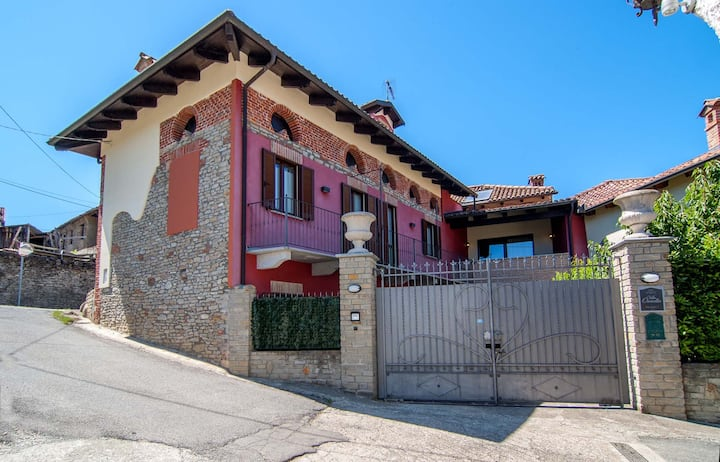 Villa Ornella - Historical restored farmhouse
