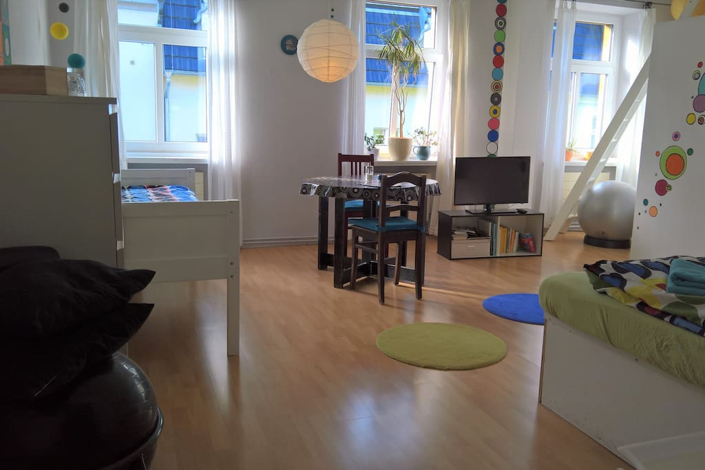Das kunterrunde zimmer appartamenti in affitto a dresda - Riscaldamento alternativo in casa in affitto ...