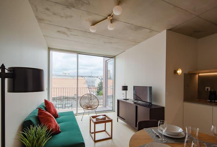 One Bedroom Apartment with Balcony and Street View
