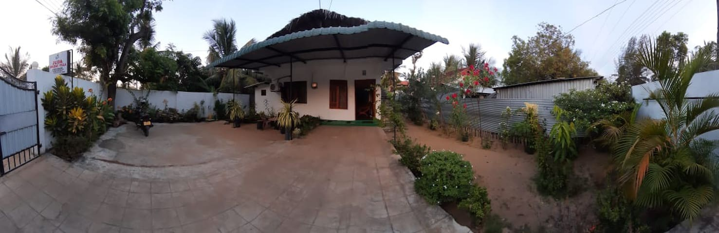 Juda Holiday Villa Room 1 - Superb beach Location