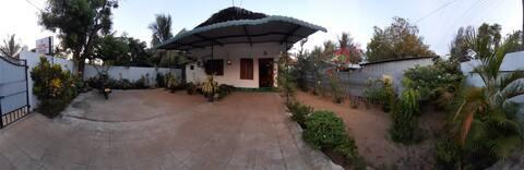 Juda Holiday Villa Room 1 - Superb beach Location