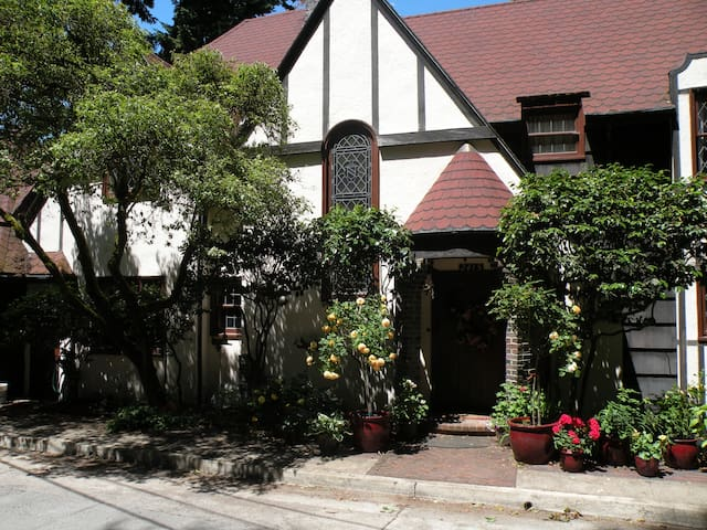 Tudor Revival home finished in 1928.  At the time of its construction the most expensive house in Eugene