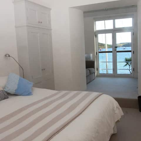 Beautiful apartment on the seafront