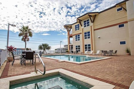 Gorgeous Remodeled Mexico Beach Condo!