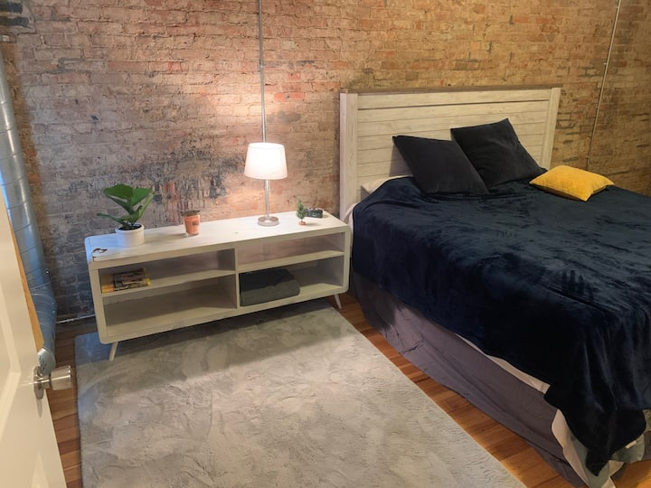 Urban Chic Master Suite in fast paced Downtown