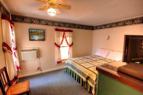 Glenmoore Lodge Room 3