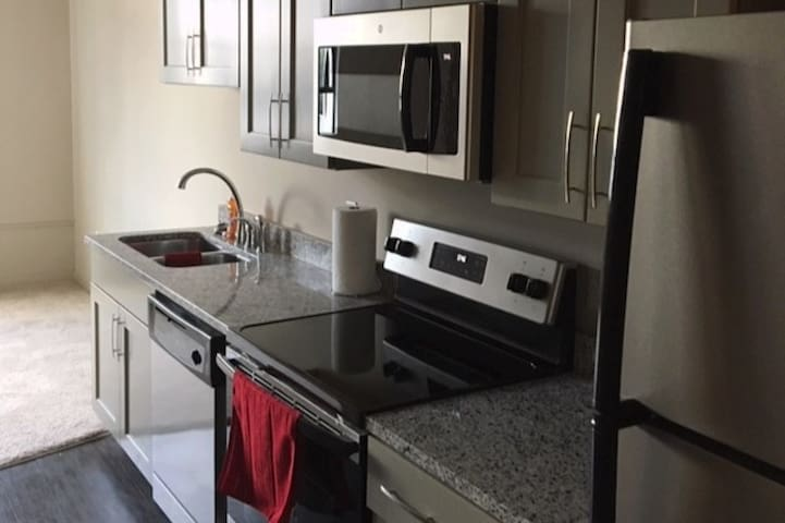 Amazing Condo 5 Min From Williams Brice Stadium!