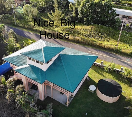 Nice, Big House near Beaches and Lava Fields