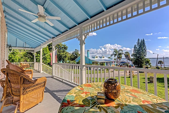 HISTORIC RIVER VIEW HOME, SERENE PORCH AND YARD