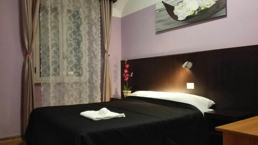 Plum b&b near termini double room 2